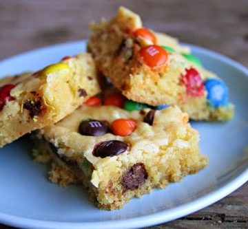 Easiest Chocolate Chip Cookie Bars EVER