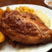 Mom's Chicken and Gravy | SouthernBite.com