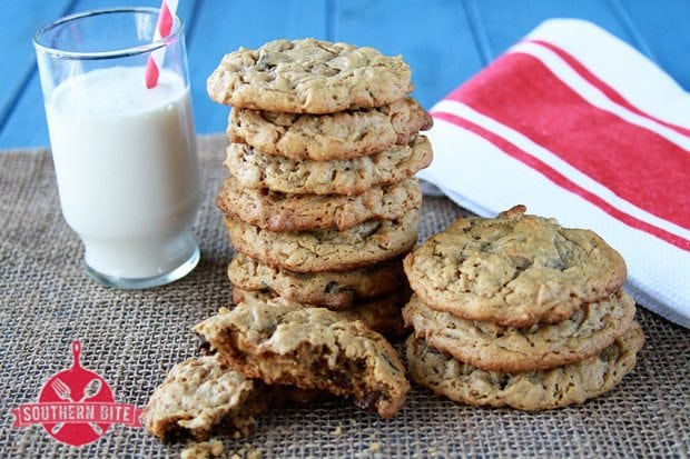 Peanut Butter Chocolate Chip Oatmeal Cookies {Gluten Free}