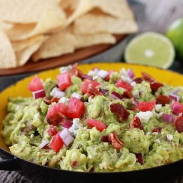 #GuacBowl : Bacon and Blue Cheese Guacamole