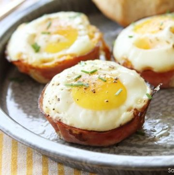 Baked Ham and Pimento Cheese Egg Cups