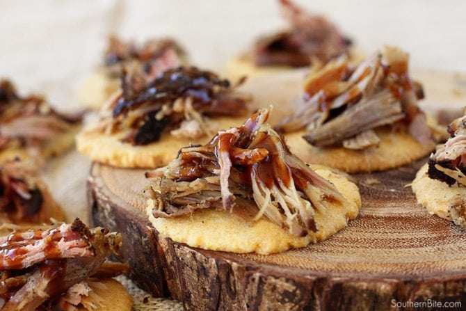 It only takes 4 ingredients to create these amazingly delicious Pulled Pork Cornbread Tarts. Everyone will LOVE them!