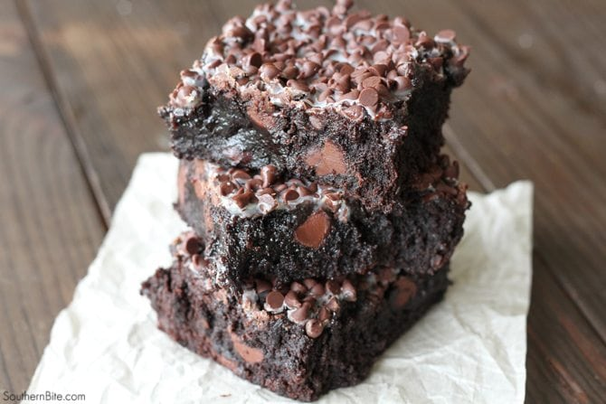 Turn ordinary boxed brownies into an over-the-top chocolately treat with this super simple recipe!