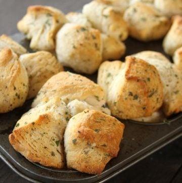 Garlic Herb Pull-Apart Rolls