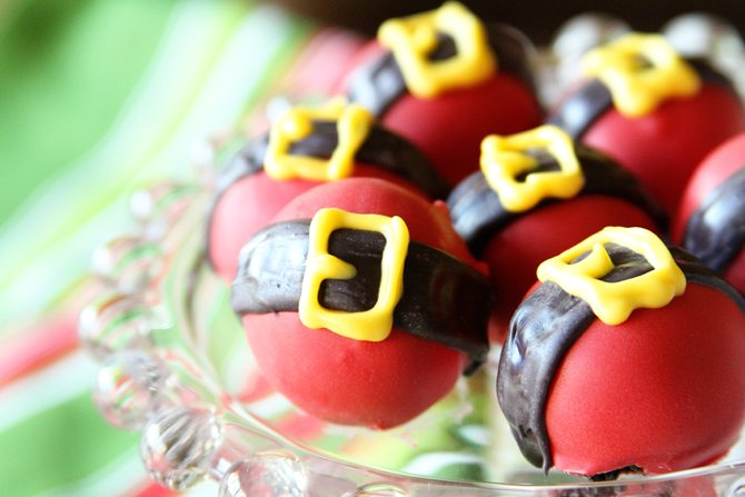 Turn the classic Oreo Balls into these Santa Bellies for the holidays!