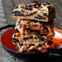 These Oreo Chewies combine two of my favorite things - Oreos and delicious chewy blondies!