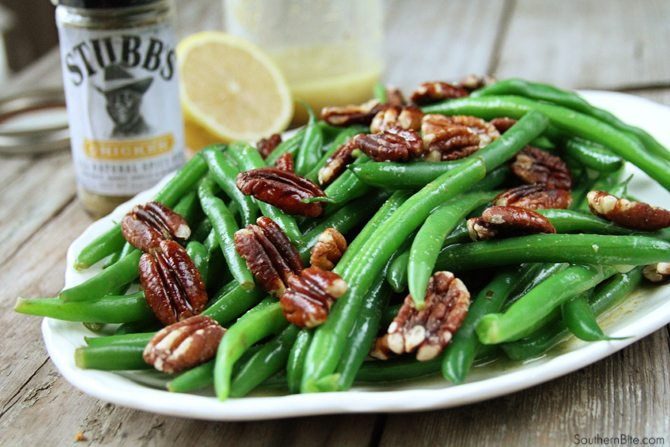 These Green Beans with Pecan Vinaigrette are super easy and crazy delicious!