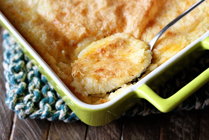 These Baked Garlic Cheese Grits are a big ol' dish of cheesy baked perfection! Baking these grits takes them to a whole new level!