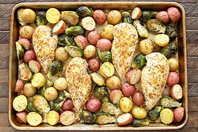 This Sheet Pan Lemon Chicken is an amazing one-pan meal that your family will love. It's a simple recipe with just a few ingredients and pairs perfectly with the amazing flavor of the new NESTEA! #NewNESTEA #Sponsored