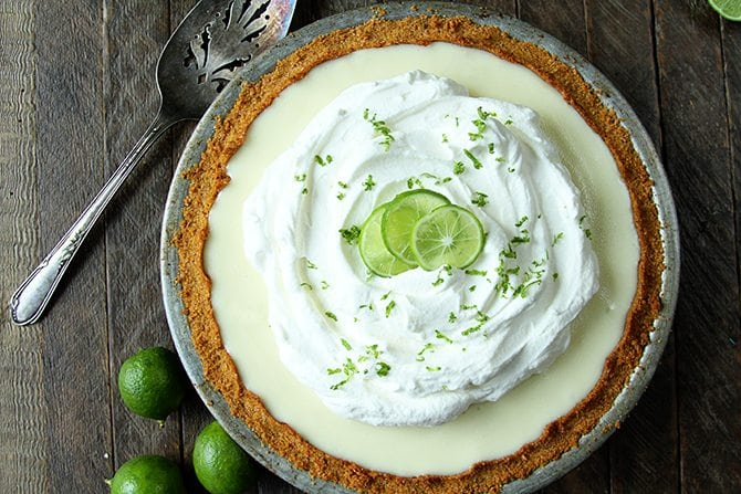 This amazingly delicious and crazy simple Key Lime Pie recipe only calls for 6 ingredients! It's so easy!