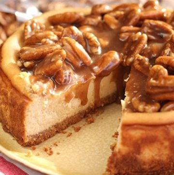 Easy Caramel Pecan Cheesecake