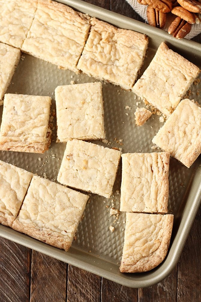 Easy Pecan Shortbread is seriously the easiest shortbread you'll make. #shortbread #pecan #easy #recipe #ideas #christmas #cookie
