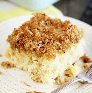 Pineapple Cake with Coconut Crumb Topping