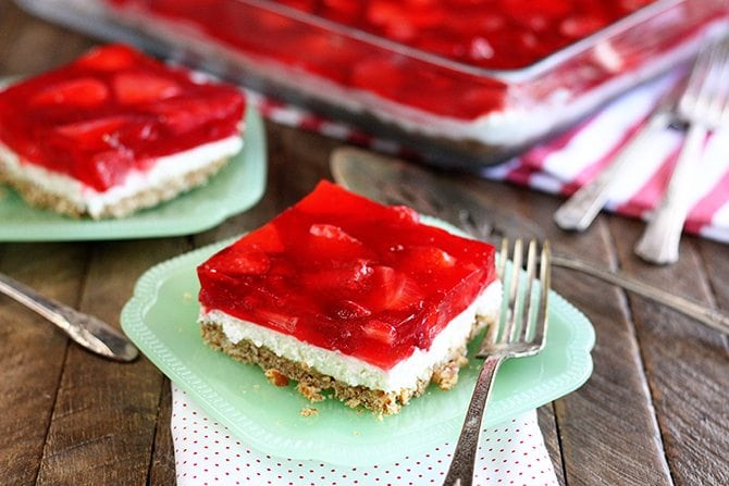 This Easy Strawberry Pretzel Salad Is A Sweet And Salty Recipe That Just Screams Summer