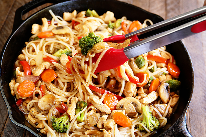 This Easy Chicken Noodle Stir Fry is the perfect dinner recipe for a busy weeknight. It comes together quickly and is packed with tons of great Asian flavor.
