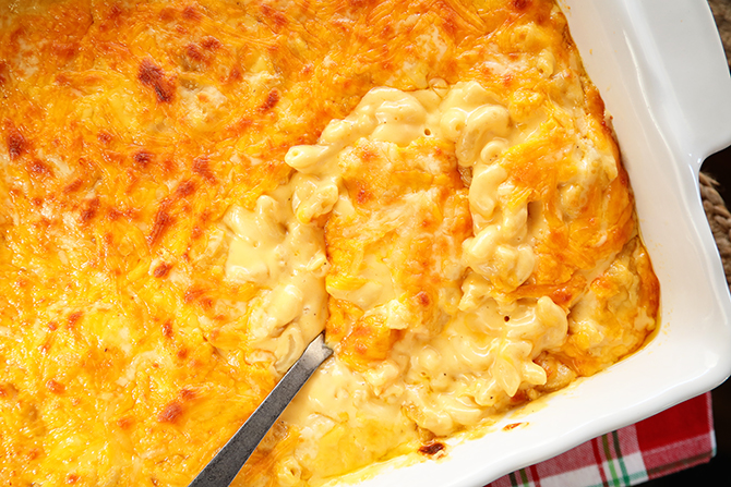 Cheesiest Mac and Cheese for a Crowd