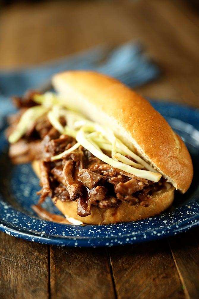 Slow Cooker Roast Beef Debris Po 'Boys