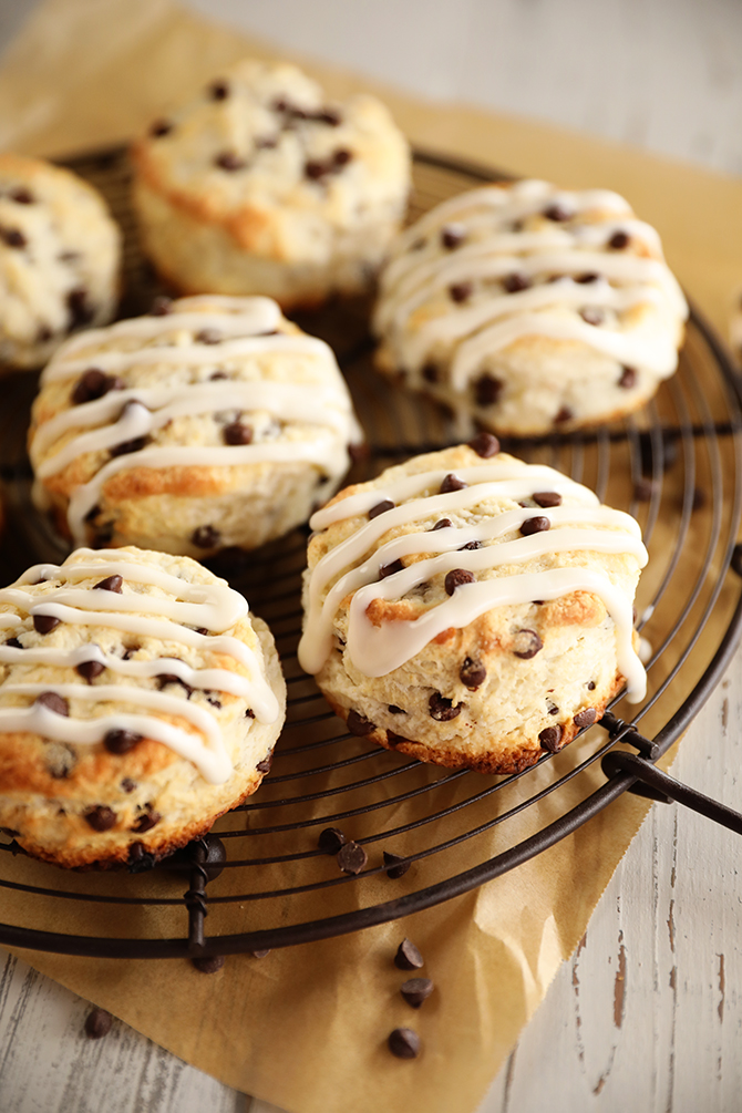 Cooling rack with Chocolate Chip Biscuits